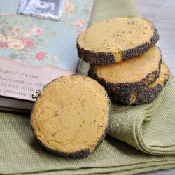 Thumbnail image for Peynirli ve Haşhaşlı Bisküviler