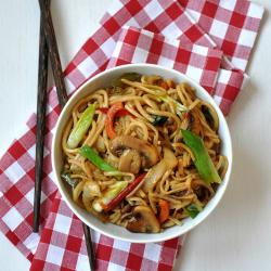 Thumbnail image for Sebzeli Noodle