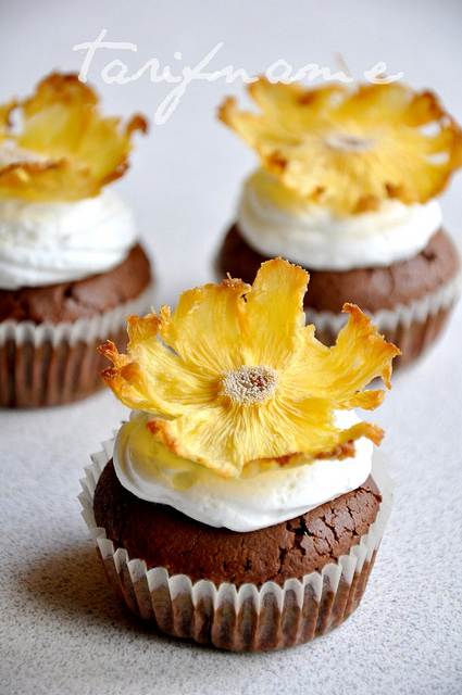 Post image for Ananas çiçekli cupcakeler