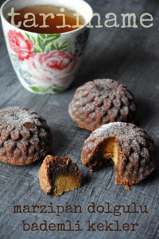 Post image for Marzipan Dolgulu Çikolatalı Kekler